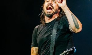 dave-grohl-laughed-off-'bad-reviews'-of-foo-fighters'-bee-gees-covers-record